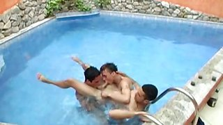 Gay threesome by the pool with double anal penetration