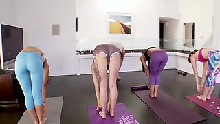 BFFS- Sneaky Best Friends Fuck During Yoga