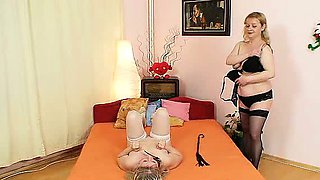 Amateur ladies screwing each other with a latex cock