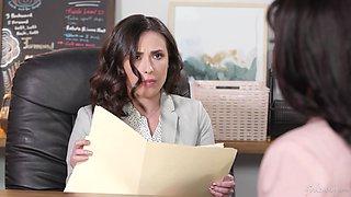 Ebony girl Ana Foxxx gives a cunnilingus to bossy bitch Casey Calvert
