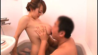 Huge breasted Japanese wife delivers an erotic massage