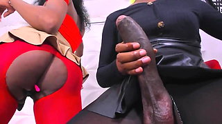 Ebony Big Dick Shemales plays with Dicks