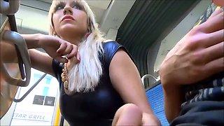 Düsseldorf Metro mein lustvolles Mädchen gibt mir einen Blowjob