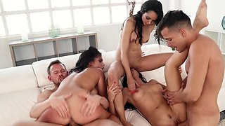 Fivesome fuck party with dark haired European beauties