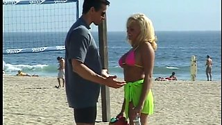 Beach bitch Stacy Valentine gets her muff fucked by horny dude