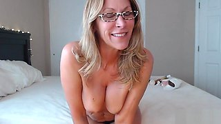 PAWG Mom Uses BBC for Anal and Riding