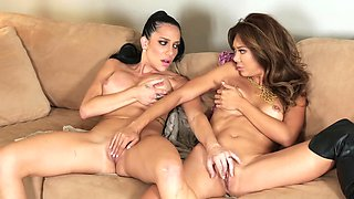 Pussy licking Asian lesbian in thigh high leather boots