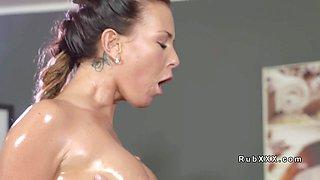 Beautiful ass Milf bangs her masseur