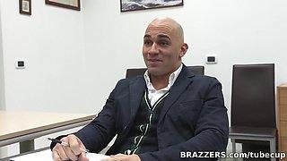 Big Tits at School: An Italian Anatomy Lesson