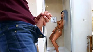 Sex-hungry Kiki Minaj gladly rides perfect boner of Danny D