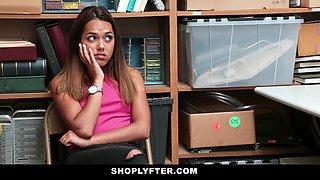 Esperanza Del Horno in Case No. 8589898 - Shoplyfter