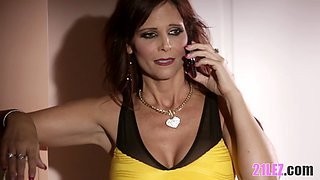 Mature slut seduce her smoking hot redhead stepdaughter for some lesbian action
