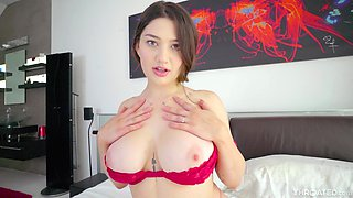 Stud with a long cock gets a sloppy blowjob from pretty Alyx Star