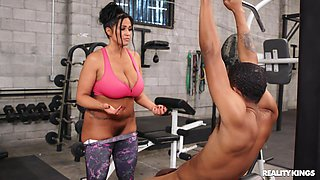 Personal trainer Kailani Kai with big tits gets her daily dose of BBC