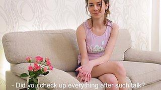 Sarah Pipetka horny euro girl masturbating