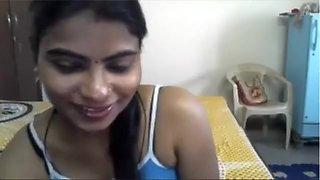 Sexy Tamil Girlfriend Kavitha on Web Camera