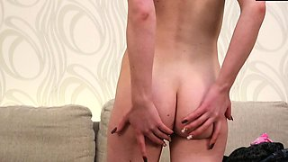 Sexy Russian brunette Tanya does casting