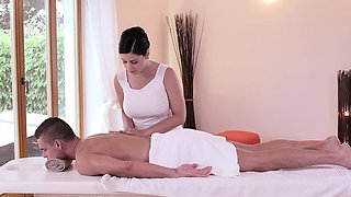 Relaxxxed - Czech babe enjoys oiled up sensual sex session