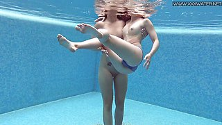 Steamy Naked Underwater Horny Teen Babes Lizi and Dee