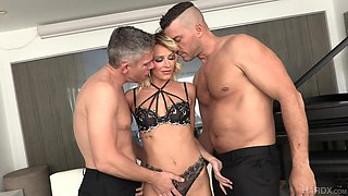 Versatile blonde cowgirl Emma Hix takes double penetration without hesitation
