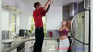 Spoiled chick Mia Pearl seduces husband of her best girlfriend