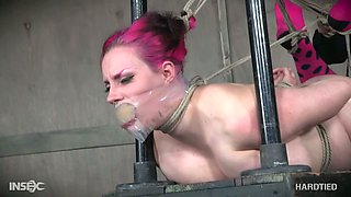 BBW emo whore Iona Grace gets her pussy punished in the dark basement