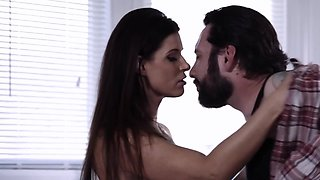 Sensual pornstar knows her way around seducing cheating husband