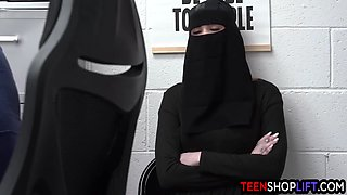Muslim Teen Delilah Day Stole Lingerie But Got Busted By A Mall Cop